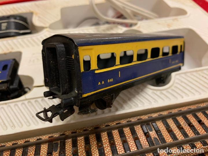 Trenes Escala: Antiguo tren, FERROCARRIL ELECTRICO A PILA, PAYA, escala H0, años 60. Raro y dificil. Leer mas... - Foto 7 - 248473955