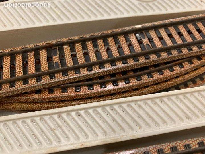 Trenes Escala: Antiguo tren, FERROCARRIL ELECTRICO A PILA, PAYA, escala H0, años 60. Raro y dificil. Leer mas... - Foto 11 - 248473955