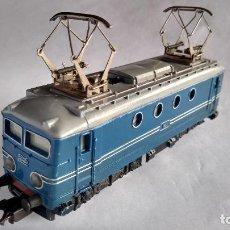Trenes Escala: PAYÁ H0 ,LOCOMOTORA ELÉCTRICA 1823/1 TIPO BB, CON LUCES. FUNCIONA TODO.MUY BUEN ESTADO AÑOS 50 - 60. Lote 254051975