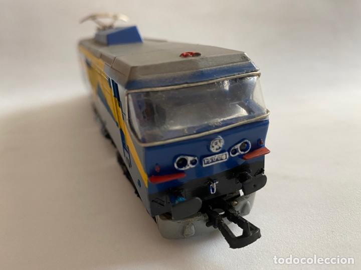 Trenes Escala: Tren locomotora Paya Renfe Mazinger 269-220-0 escala H0 - Foto 10 - 255941350