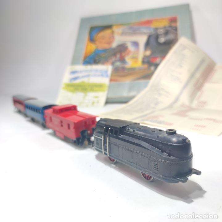 Trenes Escala: Ferrocarril eléctrico a pilas con humo. Payá. Años 50-60. Instrucciones y desplegable de accesorios - Foto 11 - 276705568