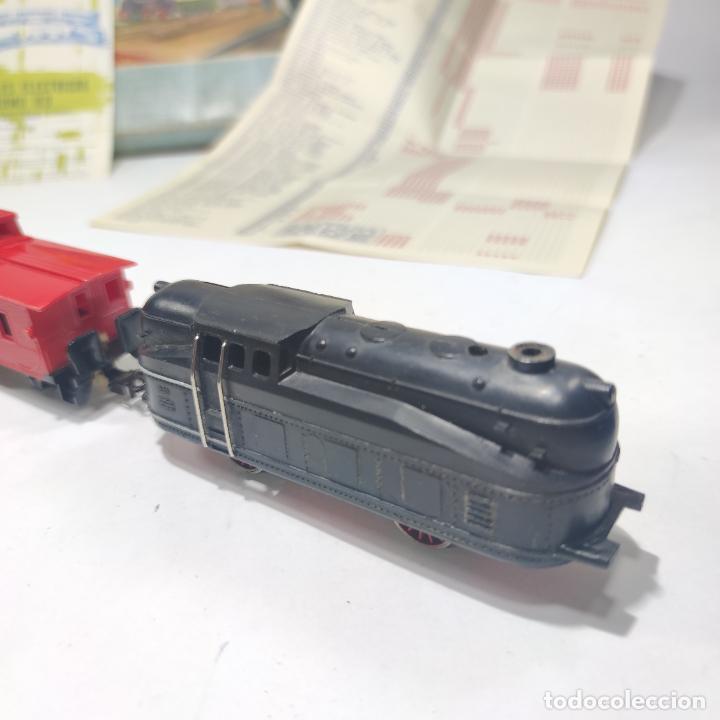 Trenes Escala: Ferrocarril eléctrico a pilas con humo. Payá. Años 50-60. Instrucciones y desplegable de accesorios - Foto 12 - 276705568