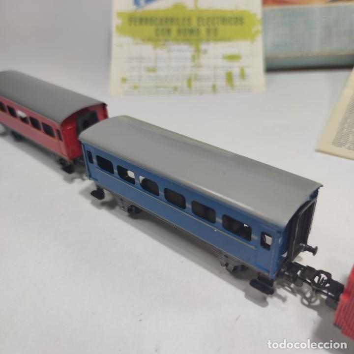 Trenes Escala: Ferrocarril eléctrico a pilas con humo. Payá. Años 50-60. Instrucciones y desplegable de accesorios - Foto 14 - 276705568