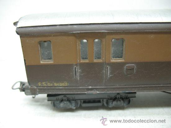 Trenes Escala: Rivarossi -Antiguo vagón de mercancías cerrado de la primera serie de Rivarossi FS 94362 -Escala H0 - Foto 2 - 34212595