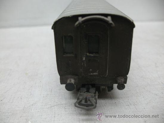 Trenes Escala: Rivarossi -Antiguo vagón de mercancías cerrado de la primera serie de Rivarossi FS 94362 -Escala H0 - Foto 5 - 34212595