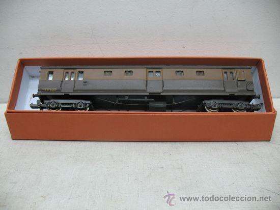 Trenes Escala: Rivarossi -Antiguo vagón de mercancías cerrado de la primera serie de Rivarossi FS 94362 -Escala H0 - Foto 8 - 34212595