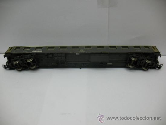 Trenes Escala: Rivarossi - Coche de pasajeros de la FS 508310-78001-2 - Escala H0 - Foto 6 - 39202594
