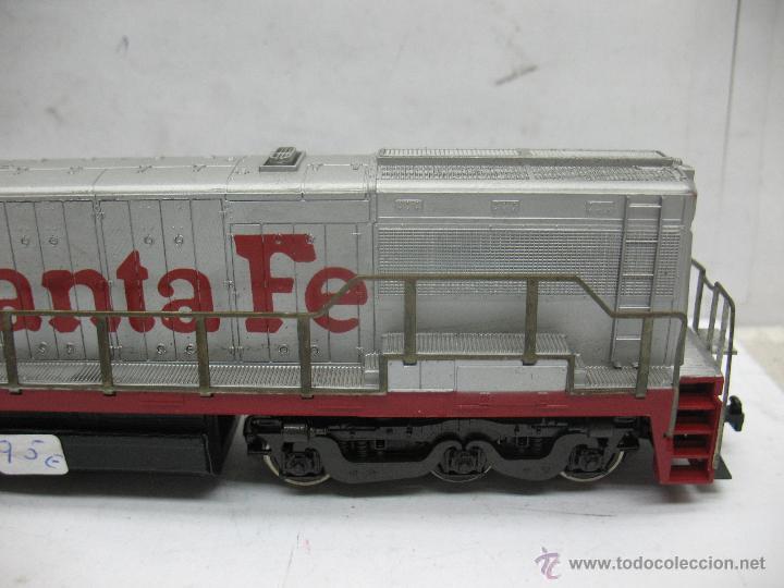 Trenes Escala: Rivarossi - Locomotora Diesel americana Santa Fe 350 corriente continua - Escala H0 - Foto 4 - 54072387