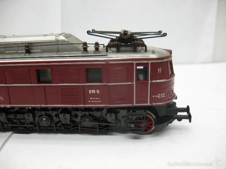 Trenes Escala: Rivarossi - Locomotora eléctrica E19 11 corriente continua - Escala H0 - Foto 4 - 57987535