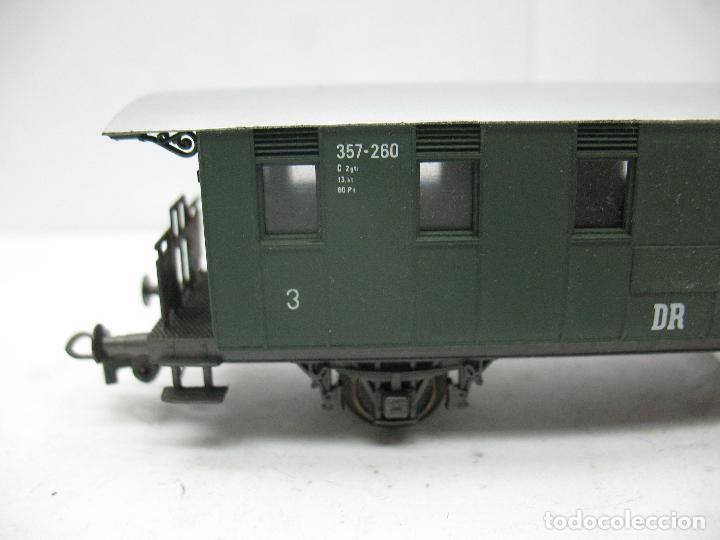 Trenes Escala: Rivarossi - Coche de pasajeros 357-260 de la DR 3 - Escala H0 - Foto 2 - 79875033