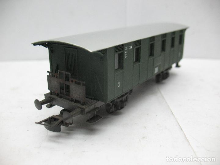 Trenes Escala: Rivarossi - Coche de pasajeros 357-260 de la DR 3 - Escala H0 - Foto 5 - 79875033