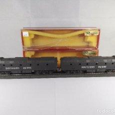 Trenes Escala: LOCOMOTORA DIESEL + DUMMYSOUTHERN PACIFIC RIVAROSSI 31804 CORRIENTE CONTINUA ESCALA H0. Lote 97858987