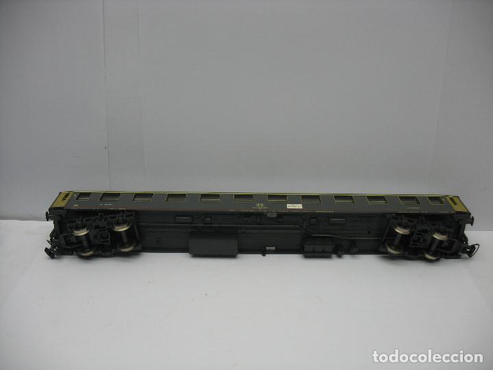Trenes Escala: Rivarossi - Coche de pasajeros de la FS 50 83 10-78 001-2 Milano - Escala H0 - Foto 7 - 122436911