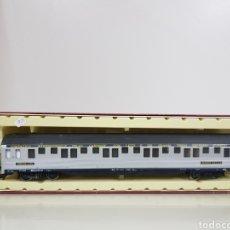 Trenes Escala: RIVAROSSI COMPAÑÍA INTERNACIONAL DE LOS GRANDES EXPRESOS DE EUROPA VAGÓN DE PASAJEROS 28 CM PLATEADO. Lote 144331809
