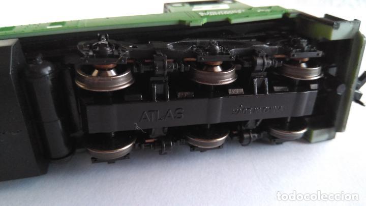 Trenes Escala: ATLAS RIVAROSSI LOCOMOTORA H0 DIESEL AMERICANA BURLINGTON NORTHERN ROAD #5733, REF U33C 8504 - Foto 6 - 145403014