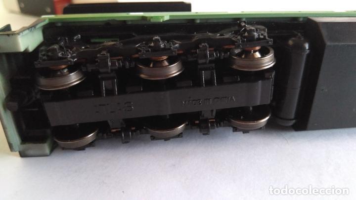 Trenes Escala: ATLAS RIVAROSSI LOCOMOTORA H0 DIESEL AMERICANA BURLINGTON NORTHERN ROAD #5733, REF U33C 8504 - Foto 7 - 145403014