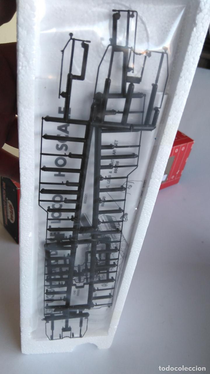 Trenes Escala: ATLAS RIVAROSSI LOCOMOTORA H0 DIESEL AMERICANA BURLINGTON NORTHERN ROAD #5733, REF U33C 8504 - Foto 8 - 145403014
