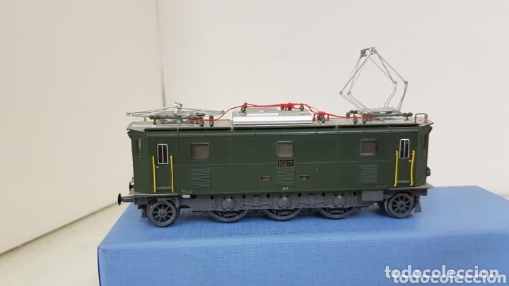 Trenes Escala: Locomotora 10217 de rivarossi le faltan dos topes y los enganches verde de 14 cm - Foto 2 - 181748125