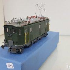 Trenes Escala: LOCOMOTORA 10217 DE RIVAROSSI LE FALTAN DOS TOPES Y LOS ENGANCHES VERDE DE 14 CM. Lote 181748125