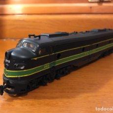 Trenes Escala: LOCOMOTORA AMERICANA RIVARROSSI EM8. DUMMY SIN MOTOR . CON LUZ. Lote 177135698