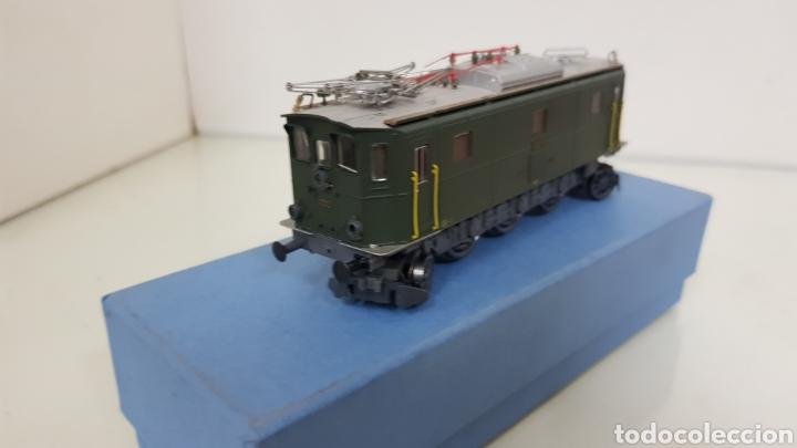 Trenes Escala: Locomotora rivarossi escala H0 corriente continua de 14 centímetros le faltan los muelles del pantóg - Foto 3 - 182981358