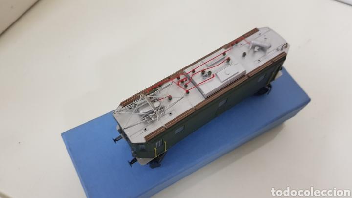 Trenes Escala: Locomotora rivarossi escala H0 corriente continua de 14 centímetros le faltan los muelles del pantóg - Foto 4 - 182981358