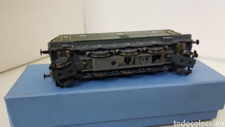 Trenes Escala: Locomotora rivarossi escala H0 corriente continua de 14 centímetros le faltan los muelles del pantóg - Foto 5 - 182981358