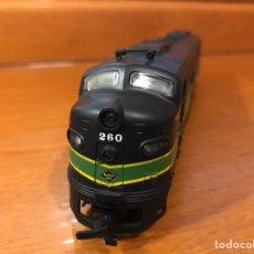 Trenes Escala: RIVARROSSI DUMMY CON LUZ LOCOMOTORA DIÉSEL AMERICANA. Lote 183744396