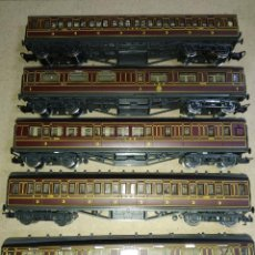 Trenes Escala: RIVAROSSI H0. LOTE DE 5 VAGONES LINEA LMS CON LUZ, EN BUEN ESTADO.. Lote 192395147