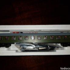 Trenes Escala: RIVAROSSI HO 3660 VAGON PASAJEROS BB8920 RENFE. Lote 211620376