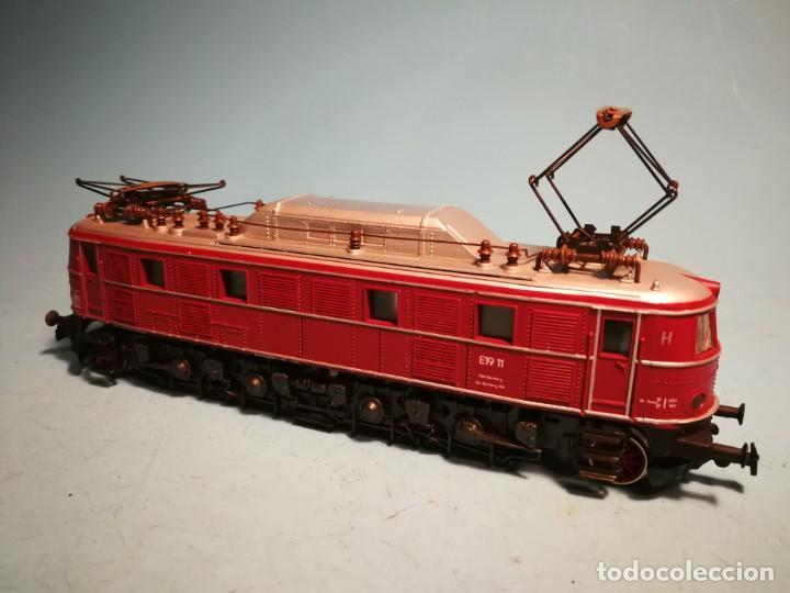 LOCOMOTORA ELÉCTRICA RIVAROSSI E19 SIN CAJA (Juguetes - Trenes a Escala H0 - Rivarossi H0)
