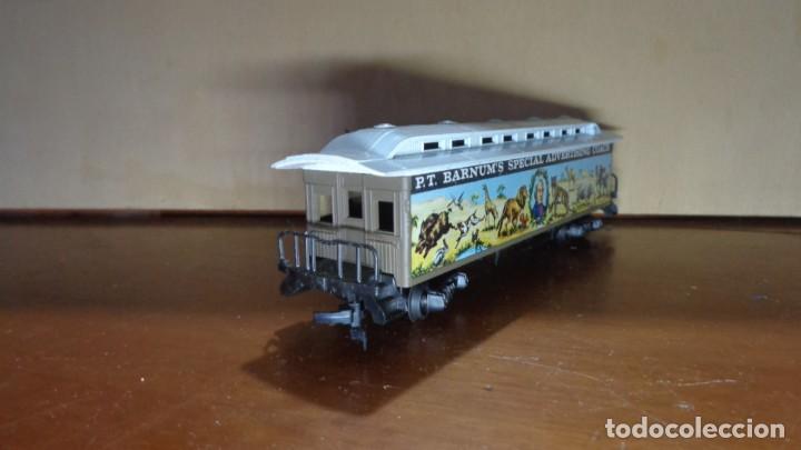 Trenes Escala: AHM RIVAROSSI - H0 - VAGÓN CIRCO BARNUM. MUY BUENA CONDICION. - Foto 2 - 255020560