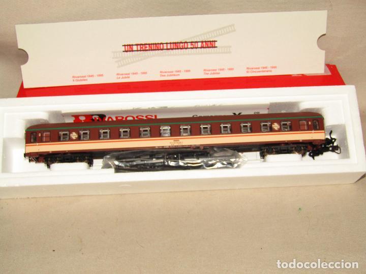 Trenes Escala: Coche de Pasajeros Estrella 2ª Clase RENFE en Escala *H0* Ref. 3582 de RIVAROSSI a Estrenar Todo - Foto 3 - 283972693
