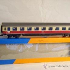 Trenes Escala: ROCO PARA AC REF 4267 ESCALA H0 1/87 VAGON PASAJEROS 1ª CLASE DB NUEVO.. Lote 37696892