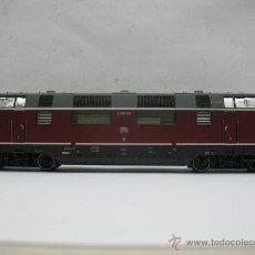 Trenes Escala: ROCO - LOCOMOTORA DE LA DB V 200 004 CON CORRIENTE CONTINUA - ESCALA H0. Lote 50098184