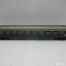 Trenes Escala: ROCO - COCHE DE PASAJEROS AA-8098 RENFE MADRID BARCELONA - ESCALA H0. Lote 72093955