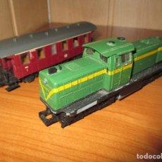 Trenes Escala: ROCO H0: VAGON + LOCOMOTORA RENFE - 305-040-8 . Lote 73018483