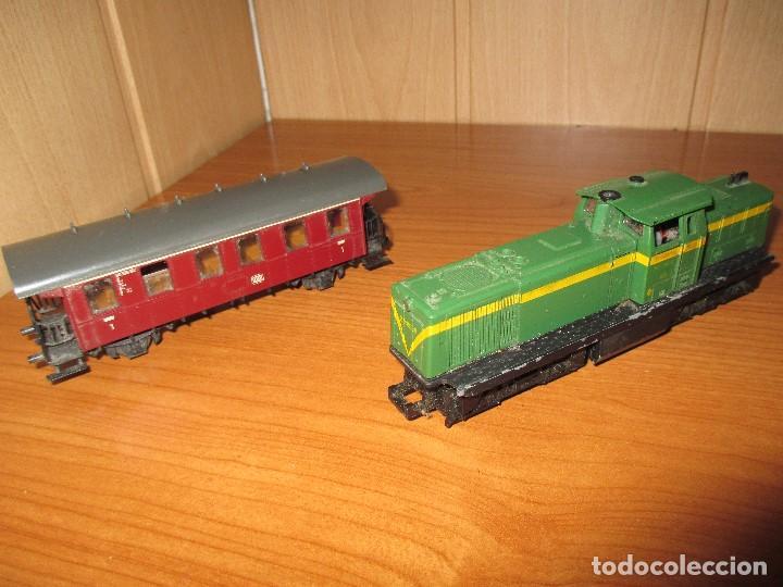 Trenes Escala: ROCO H0: VAGON + LOCOMOTORA RENFE - 305-040-8 - Foto 4 - 73018483