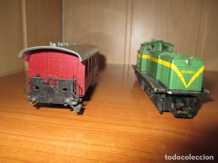 Trenes Escala: ROCO H0: VAGON + LOCOMOTORA RENFE - 305-040-8 - Foto 5 - 73018483