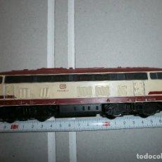 locomotora de tren roco h0