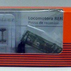Trenes Escala: CAJA RECAMBIO ROCO LOCOMOTORA RENFE 353 354 H0 PIEZAS INSTRUCCIONES. Lote 97706687