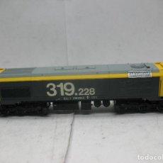 Trenes Escala: ROCO - LOCOMOTORA DIESEL RENFE 319.228 CORRIENTE CONTINUA - ESCALA H0. Lote 98380207