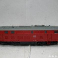 Trenes Escala: ROCO REF: 63490 - LOCOMOTORA DIESEL DE LA DB 215 126-4 CORRIENTE CONTINUA - ESCALA H0. Lote 99368111