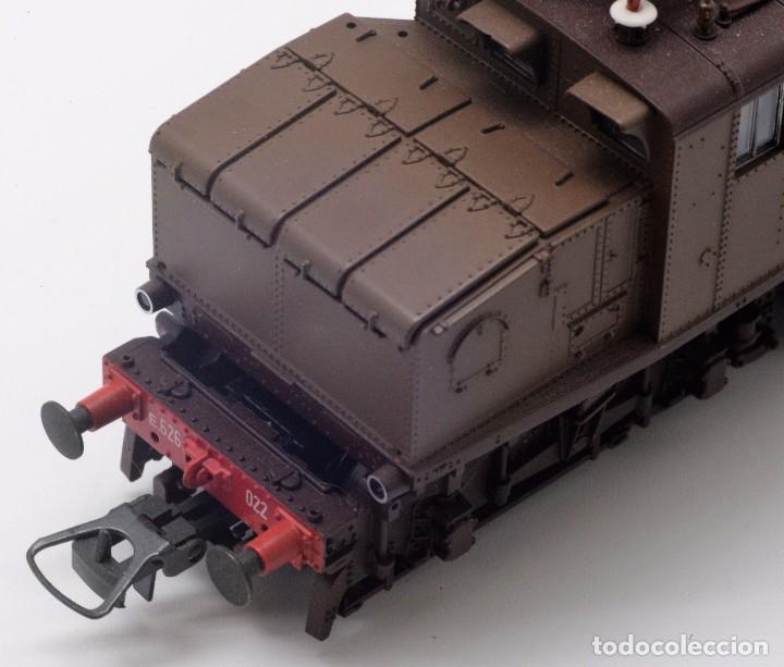 Trenes Escala: LOCOMOTORA ROCO 43501 - LOCOMOTORA ELECTRICA FS MODELO E 626 CASTANO ISABELLA - CORRIENTE CONTINUA - Foto 10 - 103752667
