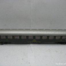 Trenes Escala: ROCO - COCHE DE PASAJEROS RENFE LITERAS MADRID BARCELONA BBL-8139 - ESCALA H0. Lote 106007919