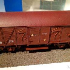 Trenes Escala: LOTE VAGONES CERRADOS J 400.000. REF. 46459 Y 44115.1. ROCO. ESCALA H0.. Lote 106140067