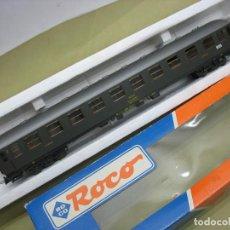 Trenes Escala: VAGON RENFE TIPO 8000 ROCO H0. Lote 111798359