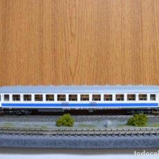 Trenes Escala: ROCO H0 COCHE DE VIAJEROS 2ª CLASE, SERIE B12X - 12300, DE RENFE, REFERENCIA 44759 . Lote 112177827