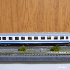 Trenes Escala: ROCO H0 COCHE DE VIAJEROS 1ª CLASE, SERIE A10X - 12100, DE RENFE, REFERENCIA 44758 . Lote 115452160