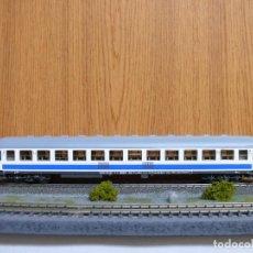 Trenes Escala: ROCO H0 COCHE DE VIAJEROS 2ª CLASE, SERIE B12X - 12300, DE RENFE, REFERENCIA 44759 . Lote 115304755